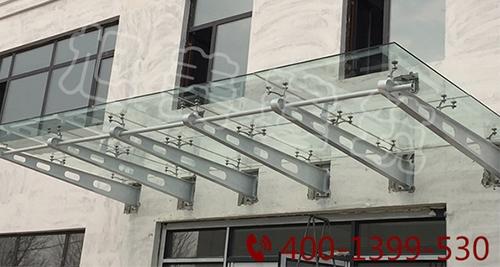 膜结构遮阳雨棚广泛应用于商业工厂体育场馆