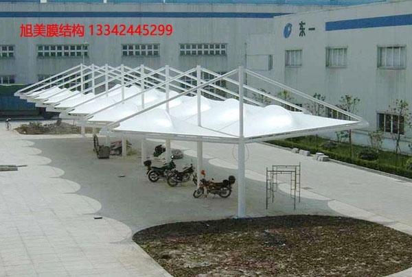 怎样加强膜结构遮阳雨棚的防腐性能?