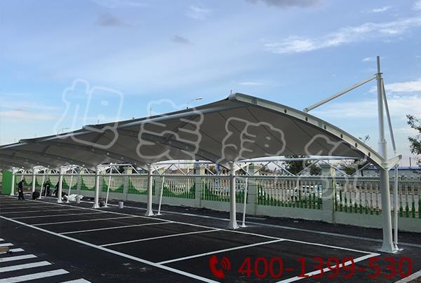 斜挑式膜结构停车棚