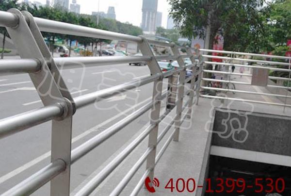 丹东锌钢护栏